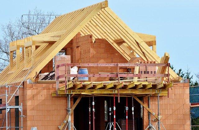 Extension de maison avec une charpente en bois